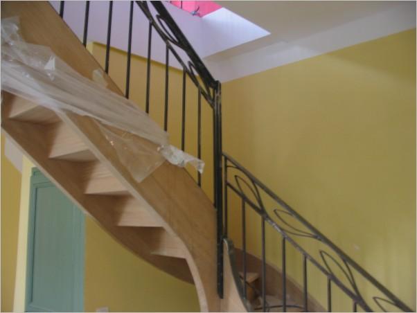 Rampe d 39 escalier en fer forg aix marseille aix en provence montpellier - Installation d une rampe d escalier ...